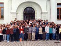1998-gen-1600-x-823